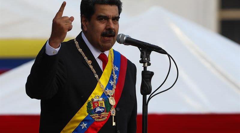 """MADURO DICE QUE MILITARES RESPONDERÁN A TRUMP CON """"MORAL"""", """"UNIÓN"""" Y """"VERDAD"""""""