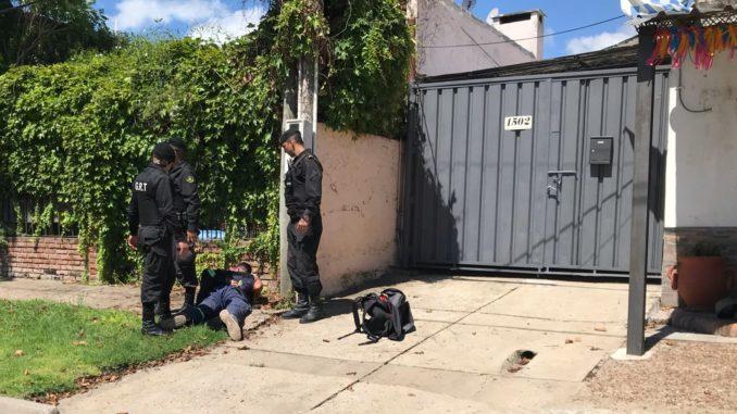 PAYSANDÚ- RAPIÑERO FUE PERSEGUIDO POR EMPRESARIO SALTEÑO Y DETENIDO POR LA POLICÍA