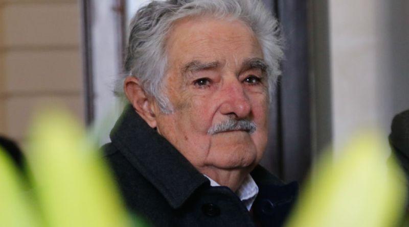 """MUJICA SOBRE LA MUERTE DE VIDART: """"NECESITO BASTONES Y ME ESTOY QUEDANDO SIN ELLOS"""""""