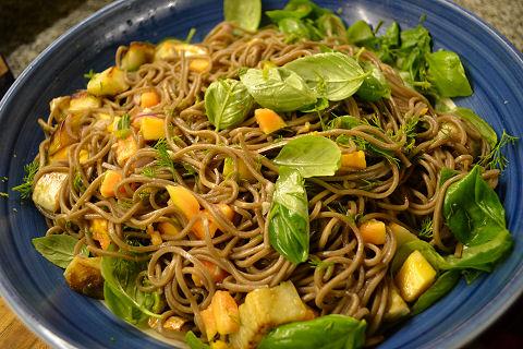 Ottolenghi: Soba salad
