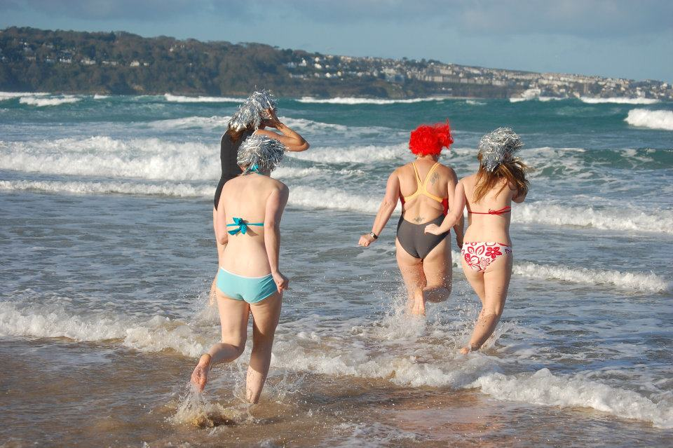 christmas day swims in cornwall