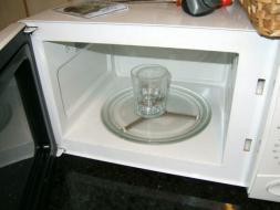 Utiliza correctamente el horno de microondas