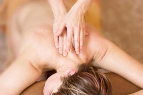 Espalda: como eliminar y evitar rollitos de grasa