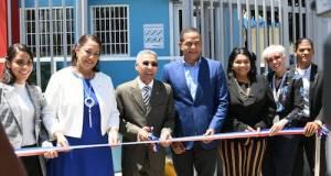 Promese/Cal inaugura dos farmacias en Santiago de los Caballeros