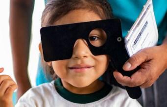 Más de mil millones de personas en el mundo con discapacidad visual no reciben la atención que necesitan