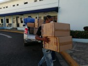 SNS distribuye equipos de protección para personal de salud a varios centros del país