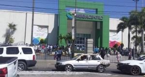 Sánchez Cárdenas llama a respetar medidas; ayudas del Gobierno crean caos y aglomeraciones