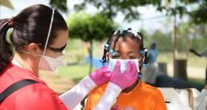 Fundación Los Arturitos realiza operativo de entrega de mascarillas