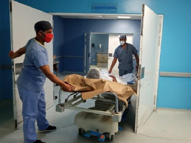Cirugías ortopédicas auspiciadas por el SNS han beneficiado a más de cien personas