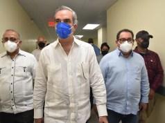 Presidente y autoridades salud supervisan avances construcción hospital Las Terrenas