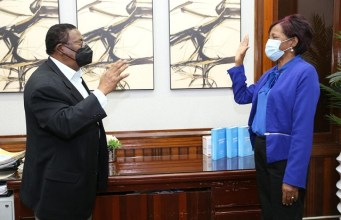 Director SRSM juramenta nueva directora hospital Boca Chica