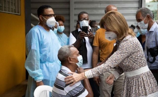 Casi dos millones de dominicanos han sido vacunados con primera dosis vacunas Covid