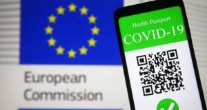 """La OMS opuesta al pasaporte Covid, lo considera """"discriminatorio"""" al no haber igualdad de acceso a la vacuna"""