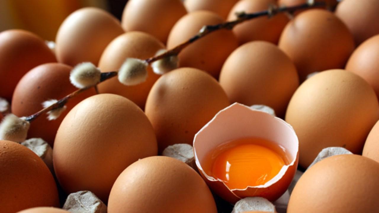 Hervir los huevos por la noche y comer por la mañana