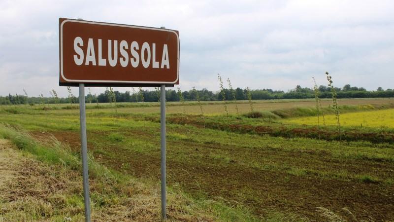 Discarica di amianto: sit-in di protesta davanti alla sede del municipio di Salussola