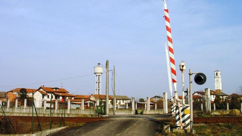 Dal 26 febbraio al 3 marzo chiuso il passaggio a livello di Via Granatieri
