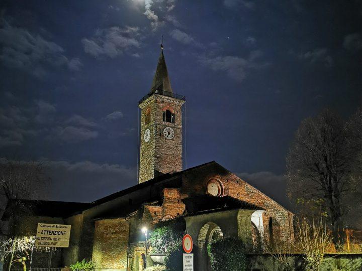 Foto / Notturno invernale sulla pieve di santa Maria Assunta di Salussola