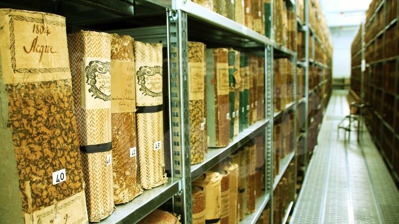 Nell'Archivio Comunale di Salussola, dopo essere stato incendiato dagli invasori spagnoli, è rimasto un solo documento dell'epoca, ed è datato 1599