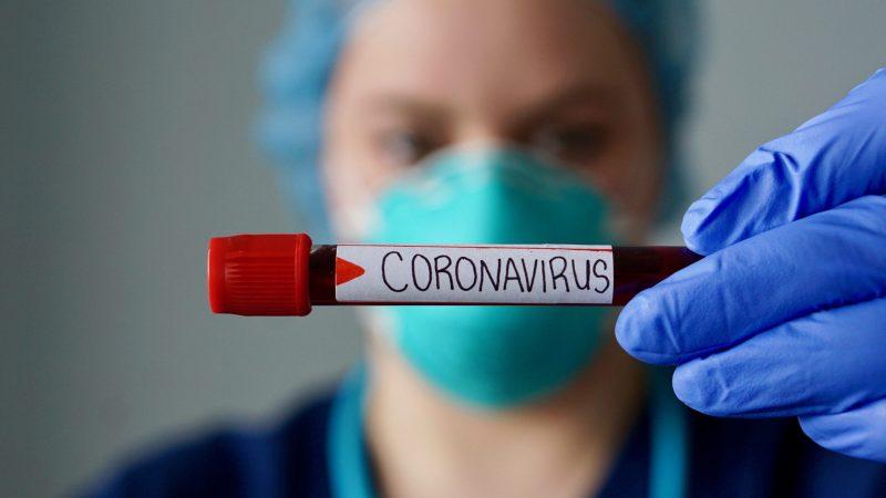 Dopo il confinamento: Tampone anche ai privati positivi al test sierologico