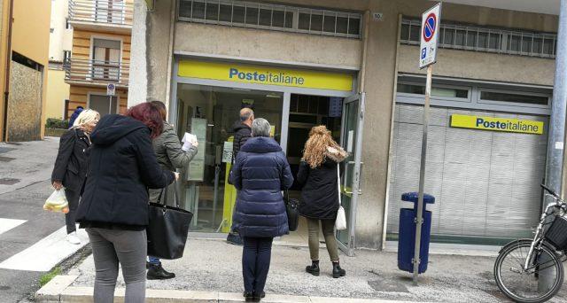 Ritiro delle pensioni di luglio presso l'ufficio postale di Salussola