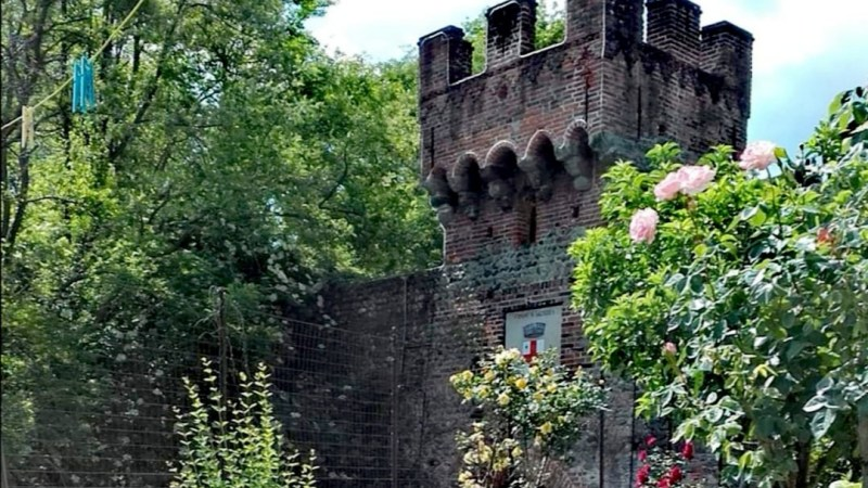 Le vostre foto: La porta urbica inferiore vista da un giardino adiacente