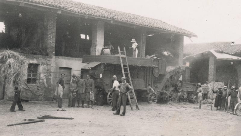 Vecchia Salussola: Trebbiatura del grano a Vigellio anni del 1930