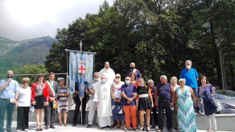 FOTO – Alcuni sindaci della pianura ed alcuni pellegrini Salussolesi ieri ad Oropa