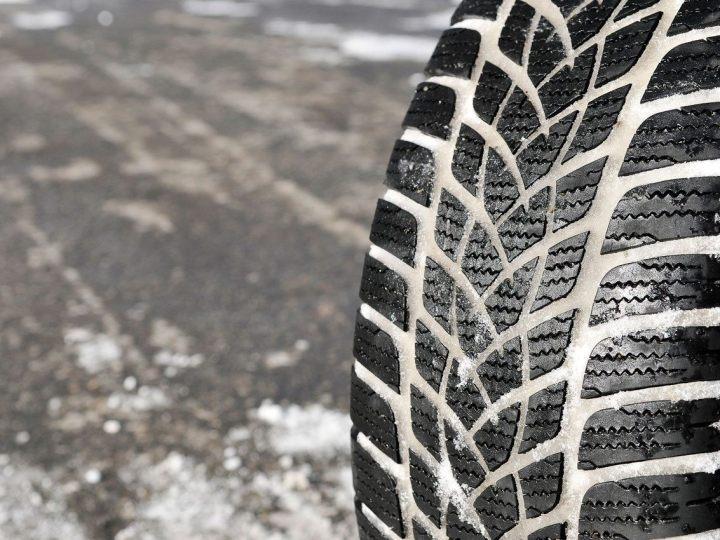E' consigliato montare i pneumatici invernali entro il 15 novembre