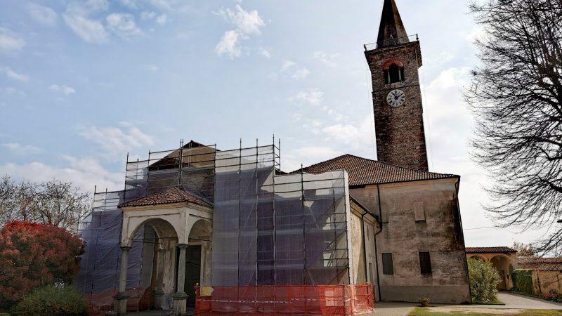 La facciata della pieve di santa Maria Assunta pronta per il restauro