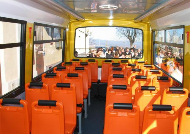 """Sarà la """" Nuova Viviani """" a condurre, prima a scuola e poi a casa, i ragazzi dello scuolabus"""