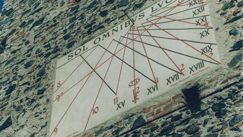 Restaurata 20 anni fa; oggi ha quasi 300 anni la meridiana del campanile