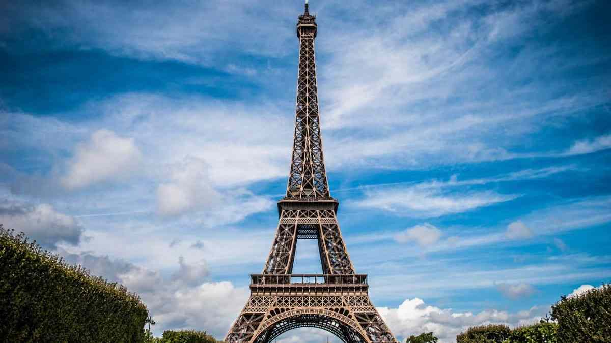 Visit the Eiffel Tower – everything you need to know!