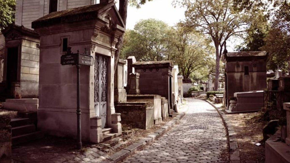 Père Lachaise Cemetery – and why you should visit!