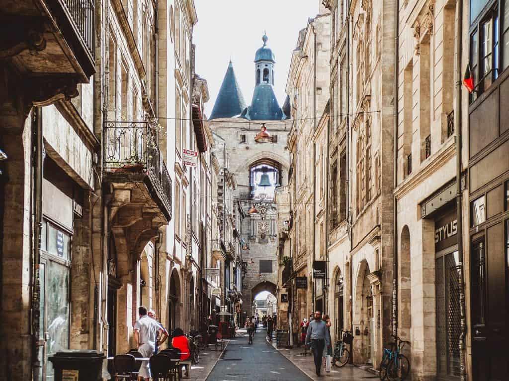 TGV Paris Bordeaux - makes a day trip from Paris to Bordeaux possible