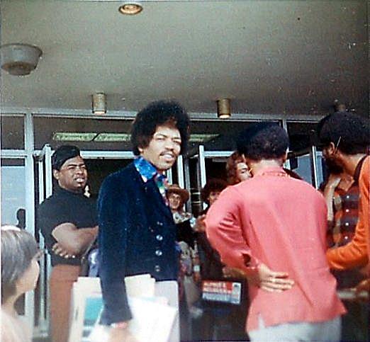 Hendrix & Wyatt Seattle Airport