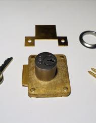 Yale Cupboard Springbolt Lock Brass