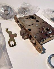 Yale 8700 Series Mortise Lock Set