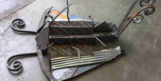 trilobite-scrap-steel-sculpture-welded-welding-weldedart-garden- scrap steel