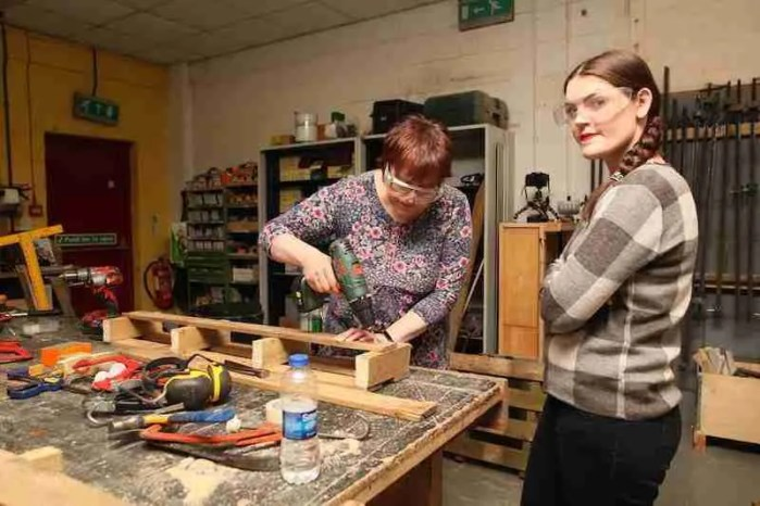 learning to make things from pallets in brighton