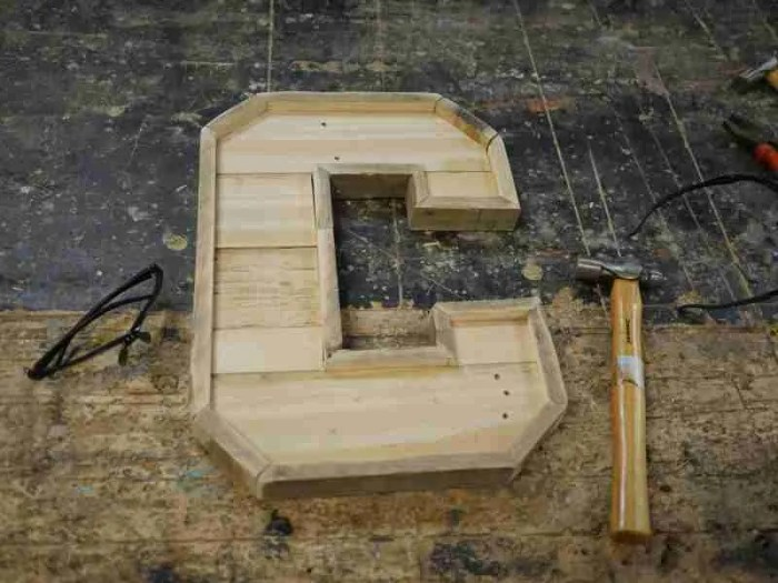 How to make wooden letters from pallets