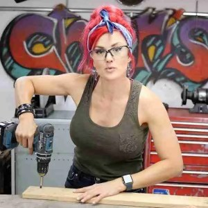 Learn to use tools online with the salvage sister
