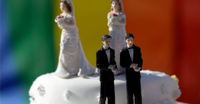 No alla trascrizione in Italia di un matrimonio gay celebrato all'estero