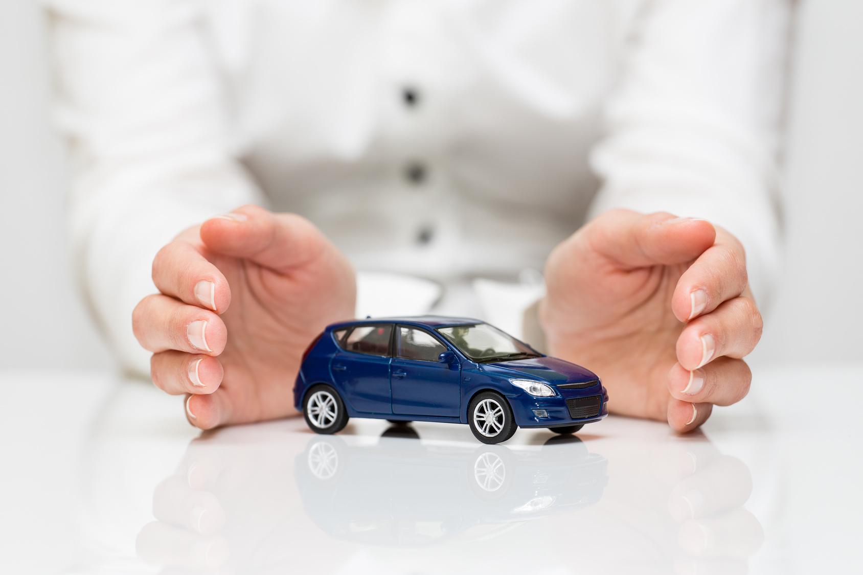 Multa e sequestro per l'auto senza assicurazione, anche se non circola