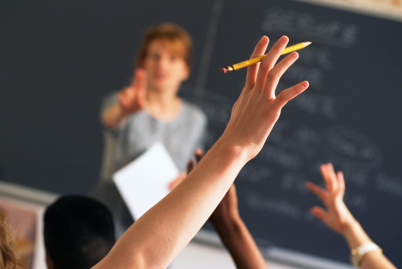 Schiaffi agli alunni: l'animus corrigendi esclude il reato di maltrattamenti?