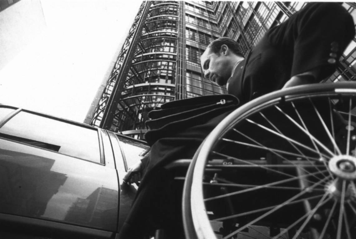 La Consulta: il convivente more uxorio può fruire del permesso mensile retribuito per l'assistenza a persona con handicap