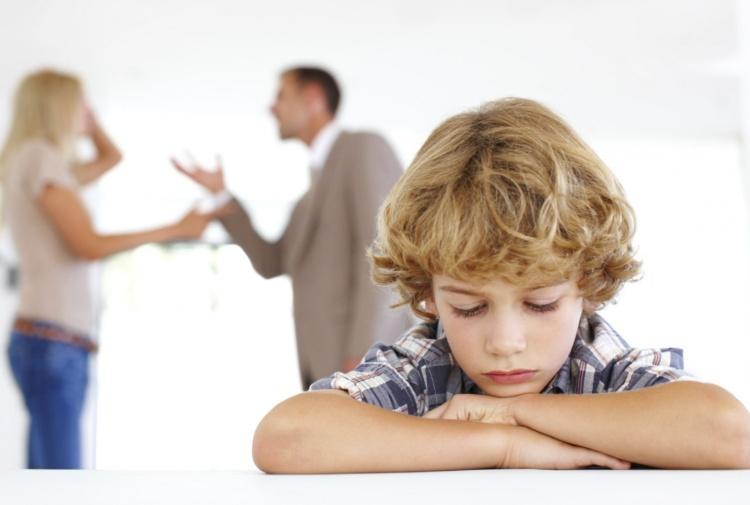 Mantenimento figli naturali: rimedi stragiudiziali