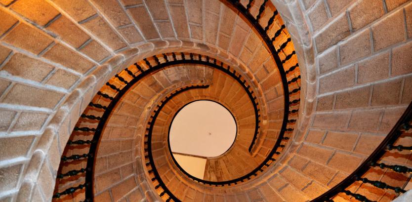 Condominio: come ripartire le spese per la manutenzione e ricostruzione delle scale?