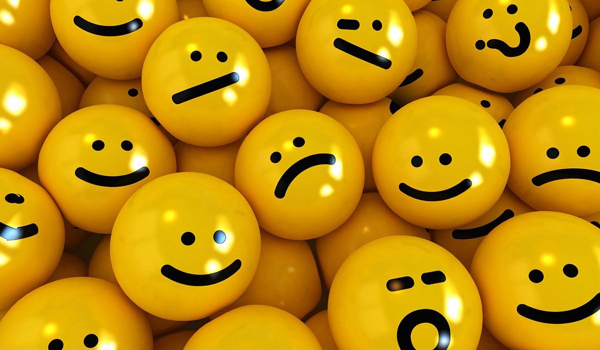 Parole denigratorie ed emoji nelle chat tra colleghi: licenziamento legittimo?