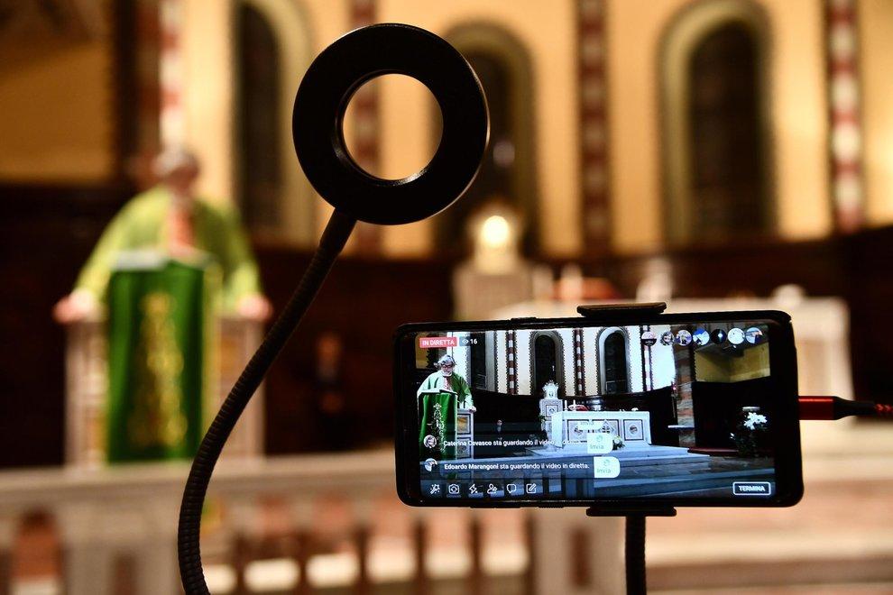 Gesù verrà alla festa? Qualche considerazione giuridico-canonica in merito agli adattamenti ecclesiastici a seguito del Covid-19