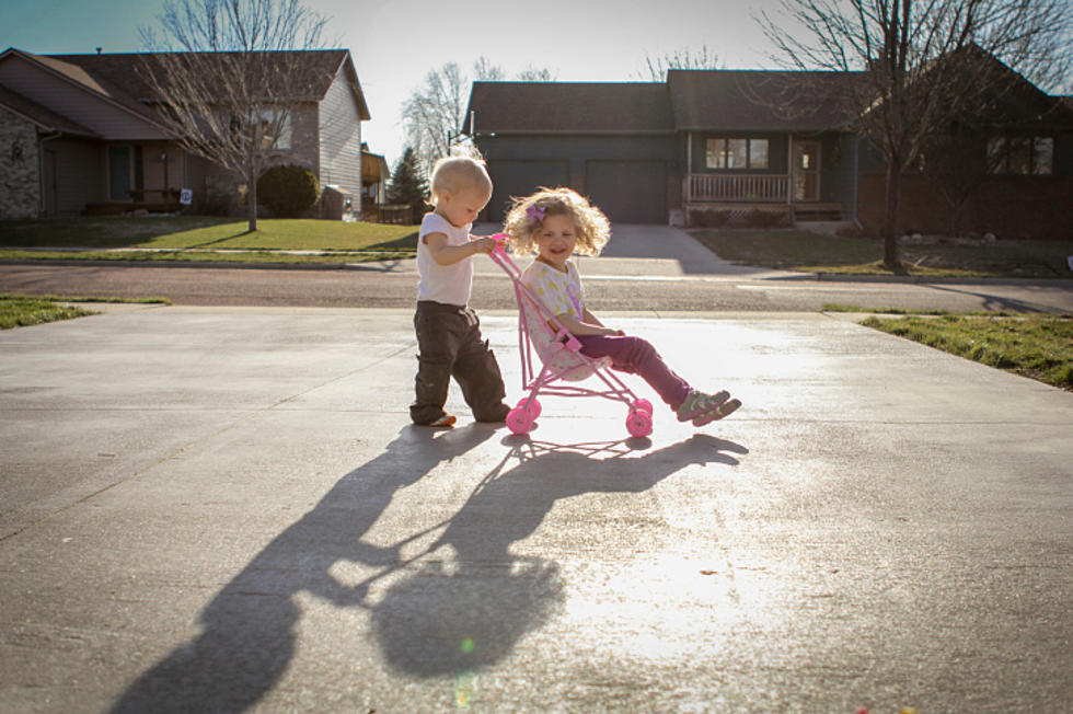 Pubblicazione di immagini di minori sul web: il reato di sostituzione di persona, il consenso dei genitori ed il digital kidnapping